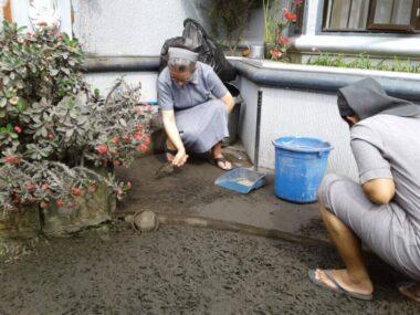 Сёстры ўршулянкі з Філіпінаў просяць памаліцца аб дажджы ў іх краіне