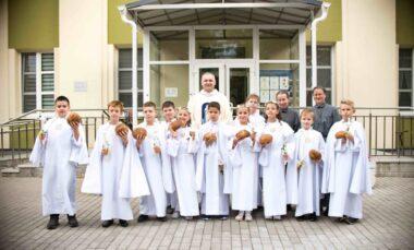 Дзеці з Місіі прынялі першую св. Камунію