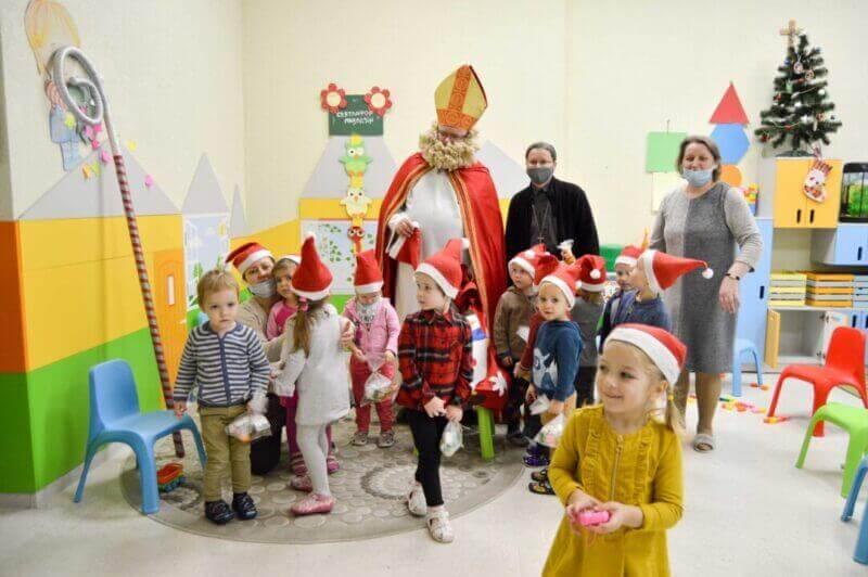 Saint Nicholas visited the Mission